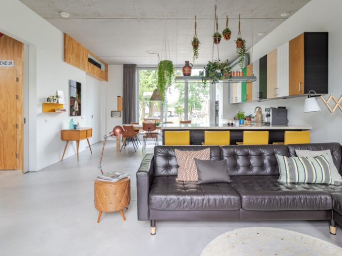 Contemporary Family Home by Chiela van Meerwijk